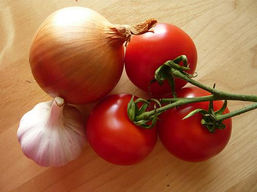 tomato-onion-garlic-01